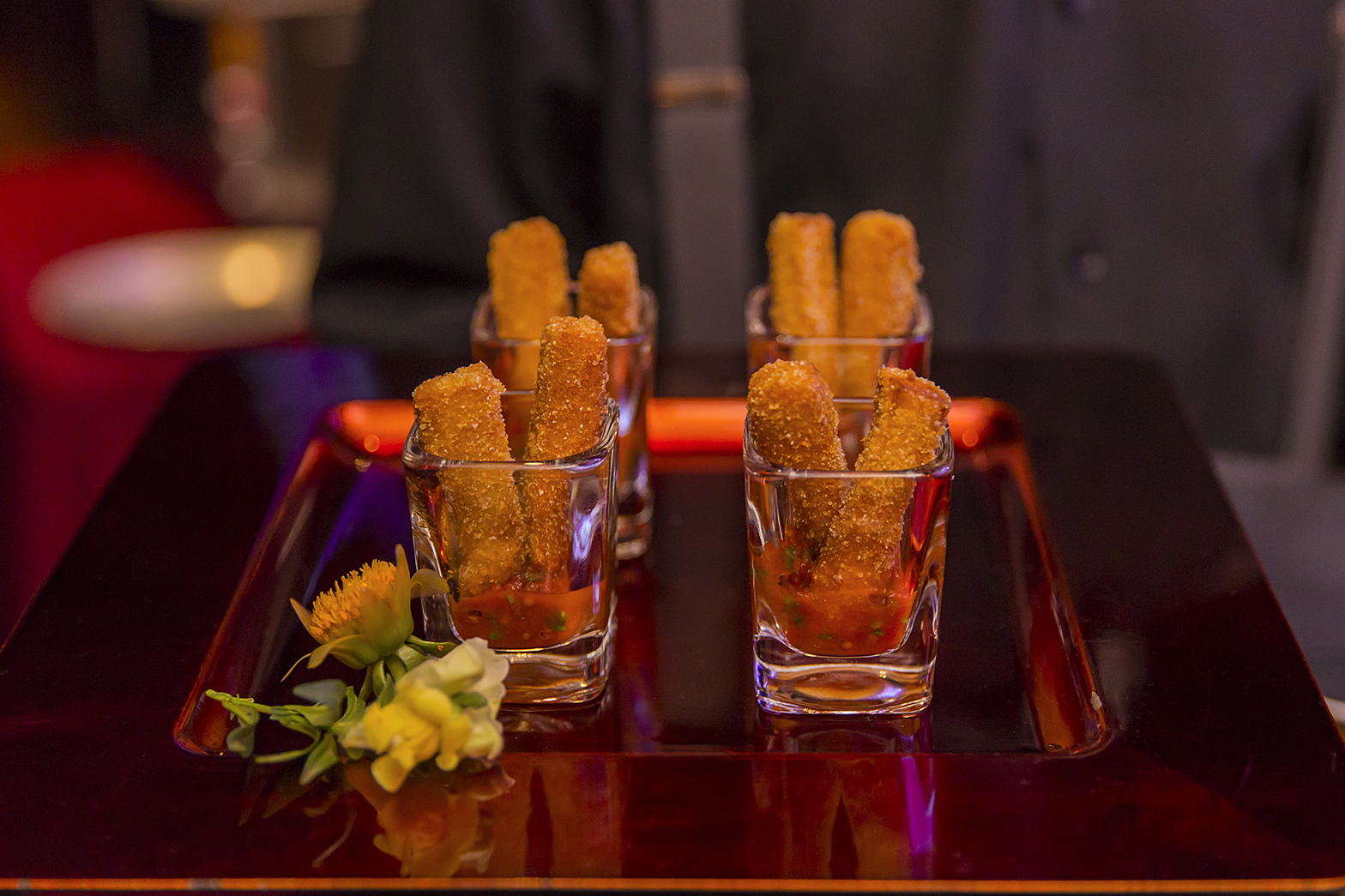 Chickpea fries with marinara served in glasses