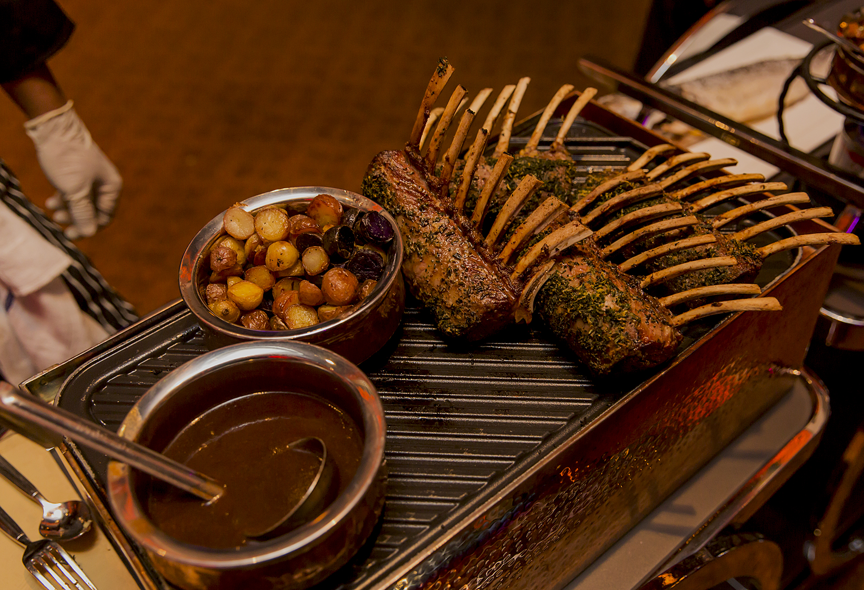 Rack of lamb with potatoes and gravy